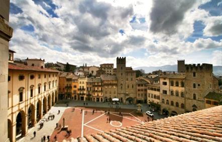 Arezzo0